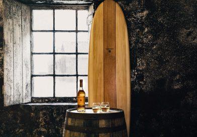 Glenmorangie crea una exclusiva colección de tablas de surf fabricadas a mano con madera de barricas de whisky recicladas