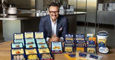 Flax & Kale lanza la gama más completa de carnes y quesos plant-based producida en España