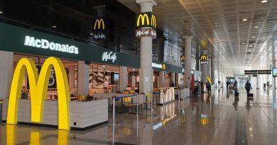 McDonald's reafirma su apuesta por Cataluña y abre un nuevo restaurante en el Aeropuerto de Barcelona